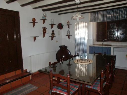 Casa principal cortijo de rojas moratalla for Mesa supletoria cocina